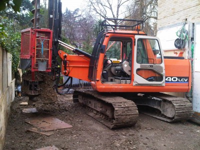 Doosan 140 lcv with rotary auger mast, difficult site but was completed quickly an safely.