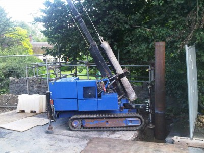 D1000H with 750kg Piling Hammer.