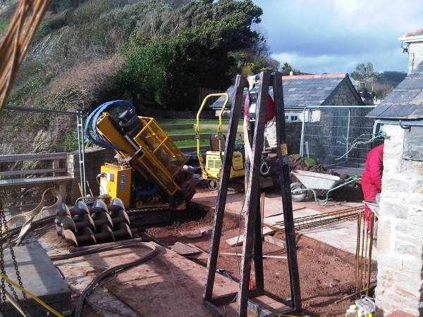 Site setup, with lifting frame to lower heavy reinforcement